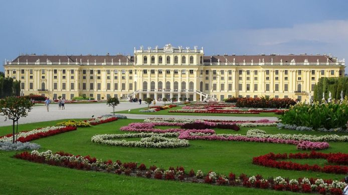 Palacio Schonburnn