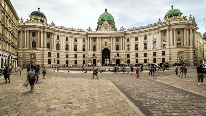Ver Palacio Hofburg en Viena