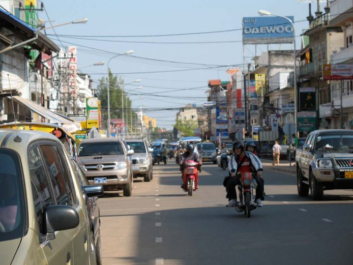 Peligros en Laos tráfico