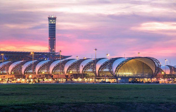 El aeropuerto internacional de Suvarnabhumi, para los que tienen un vuelo temprano