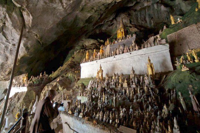 Las cuevas Pak Ou Laos