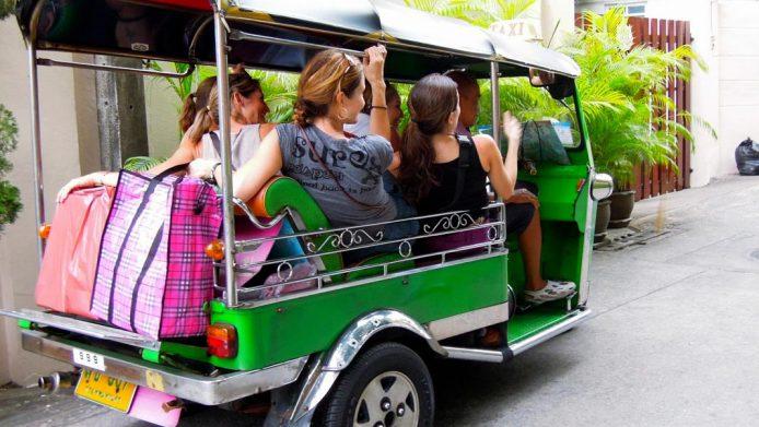 Montarse en tuk tuk en Bangkok