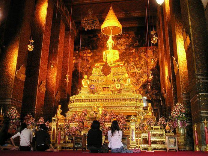 Cómo comportarse en un templo budista