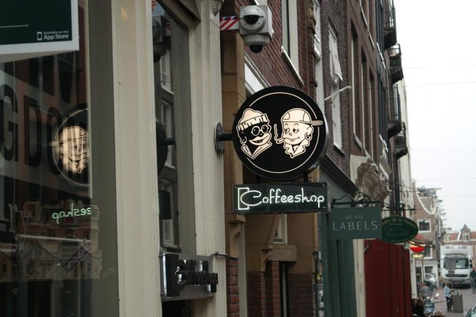 Conocer un coffee Shop en Amsterdam