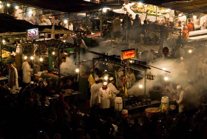 Comer en Marrakesh, puestos callejeros en la plaza Jemaa el-Fna
