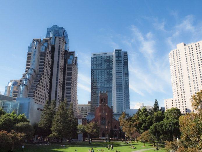 Yerba Buena Garden y el Museo de Arte de Moderno de San Francisco