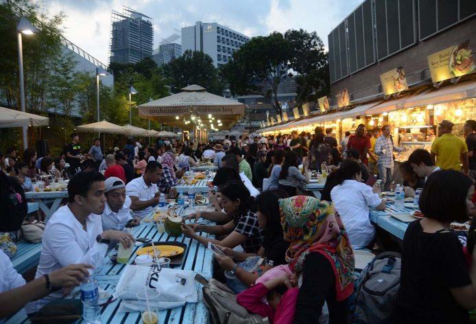 Comer en Singapur