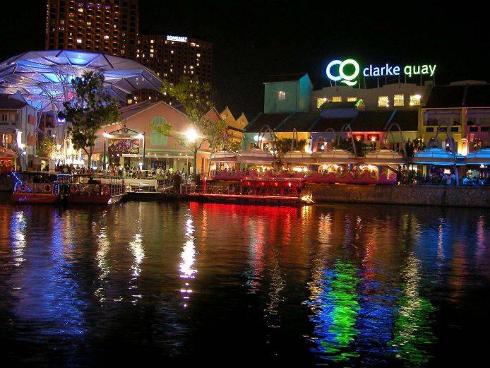 Salir de noche en Singapur por Clarke Quay