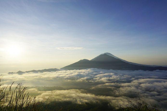 Sube en Bali el Monte Batur