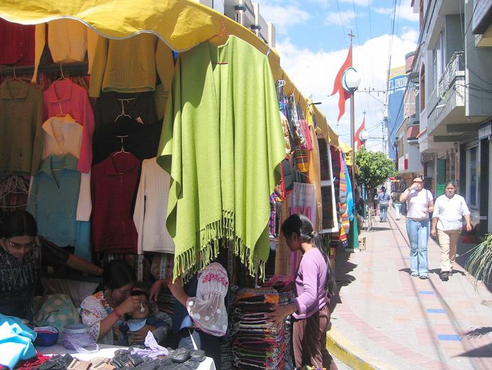Conoce el mercado de Otovalo