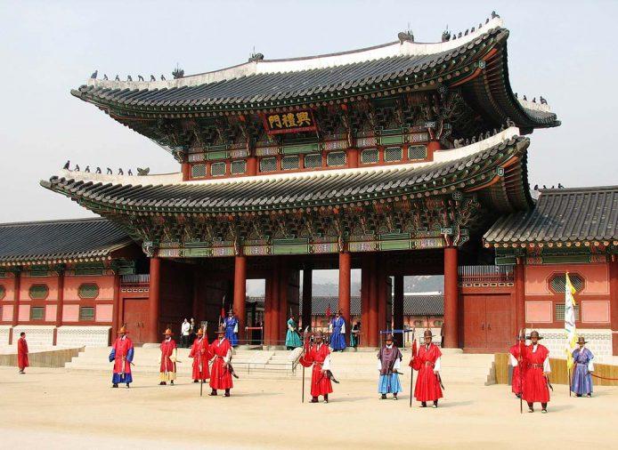 Qué hacer en Seúl, visitar el palacio de gyeongbokgung