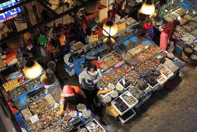 Ver una pescadería tradicional coreana Noryangjin, en Seúl