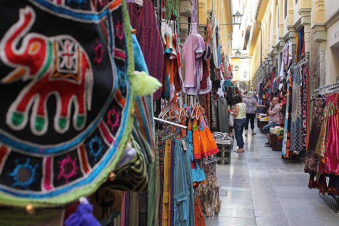 Pasear por la Alcaiceria de Granada