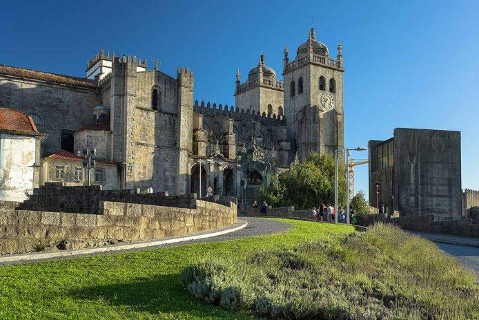 Visitar la Catedral de Oporto