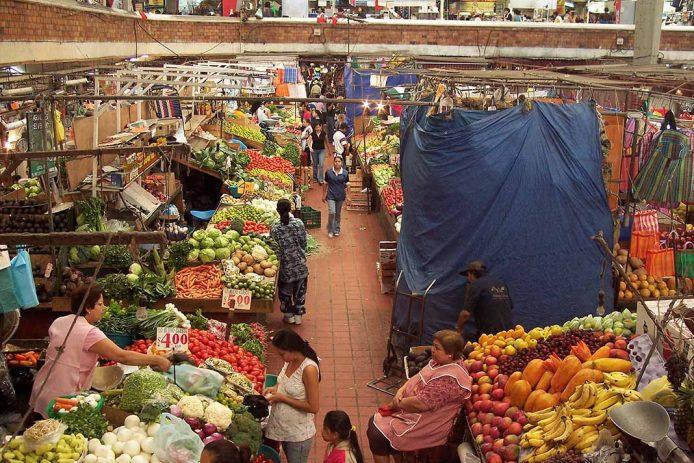 De compras en el Mercado de San Juan, Ciudad de México