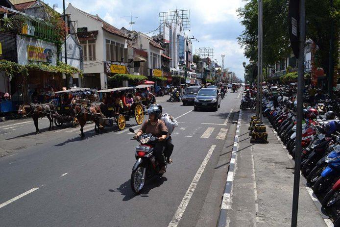 De compras por Malioboro en Yogiakarta, Java
