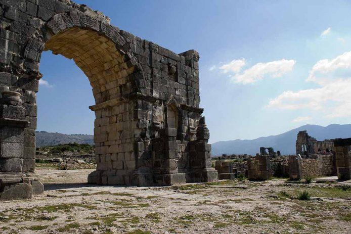 Recorrer la antigua ciudad romana de Volubilis