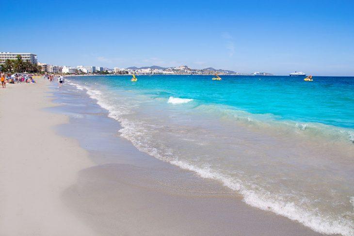 Alojarse en Playa d´en Bossa