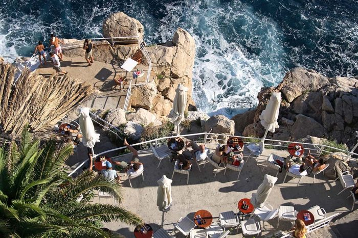 Tomarse una cerveza en Dubrovnik