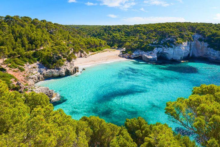 Dónde alojarse en Menorca: las mejores zonas y playas