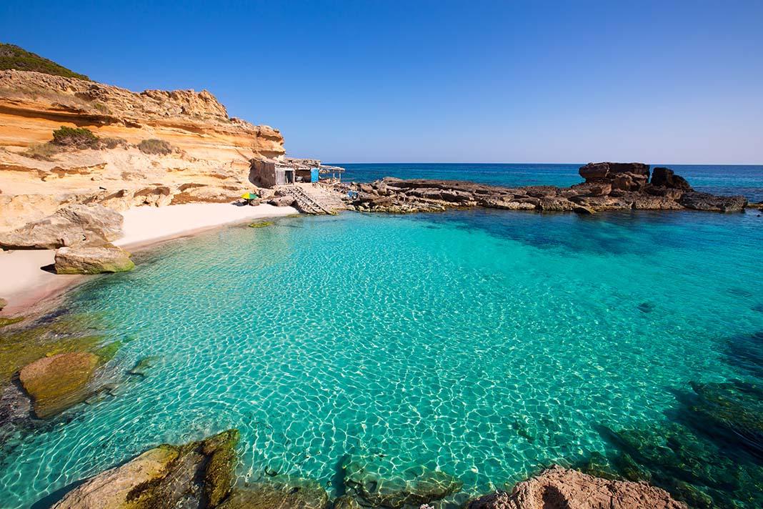 Alojarse en Es Caló, Formentera