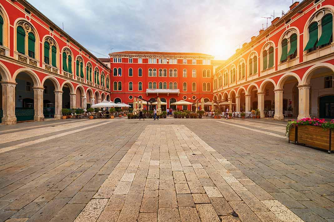Conoce la Plaza de la República de Split, Croacia
