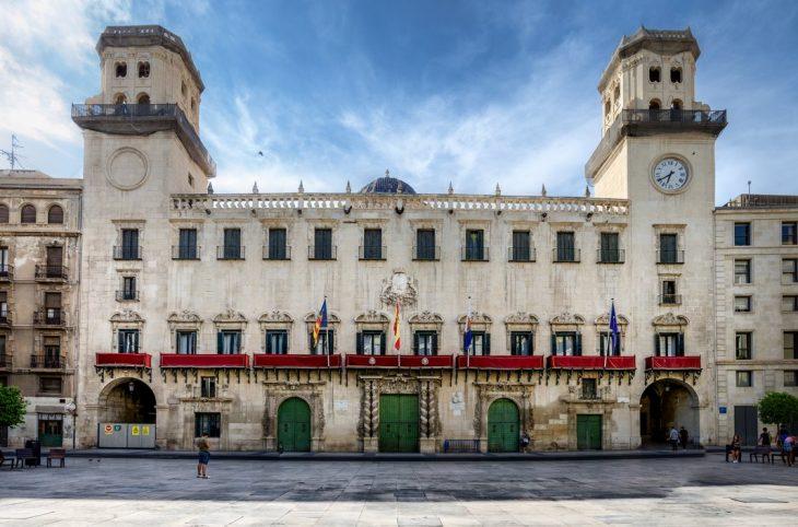 Alojarse en Alicante: El Casco Viejo