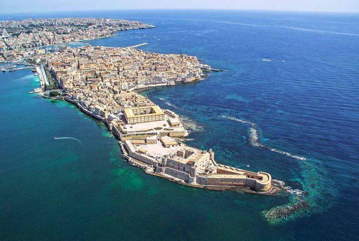 Callejear por la isla de Ortigia en Sicilia