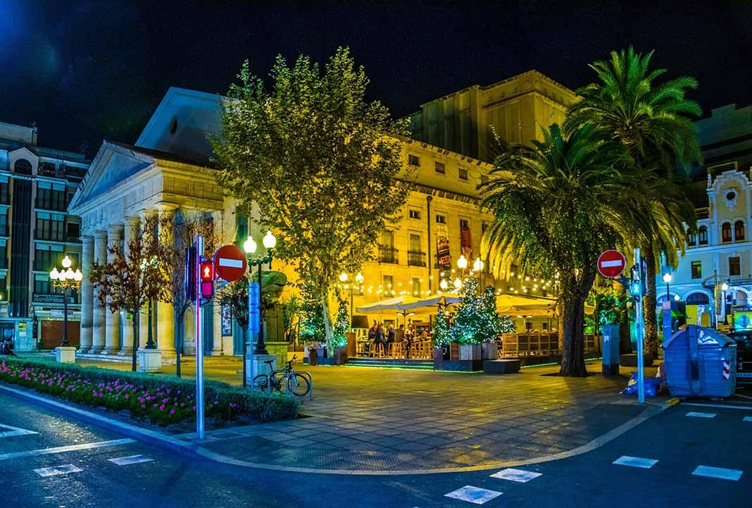 Qué hacer en Alicante: asiste al Teatro Principal