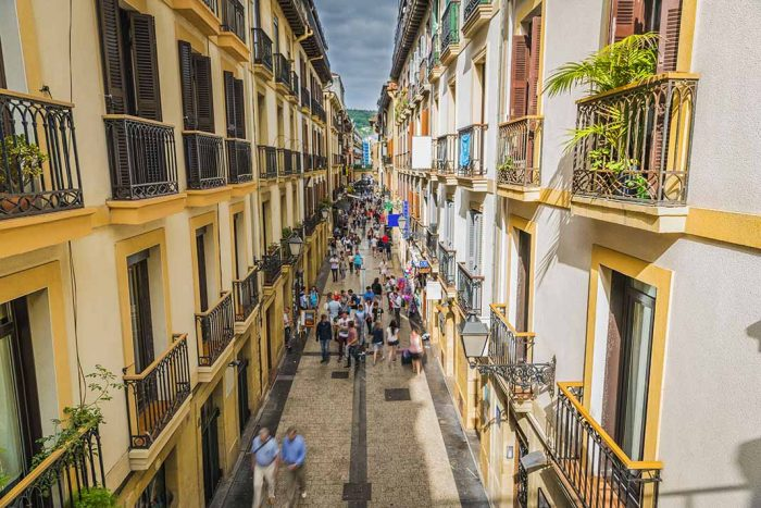 Qué hacer en San Sebastián: pasear por la parte vieja