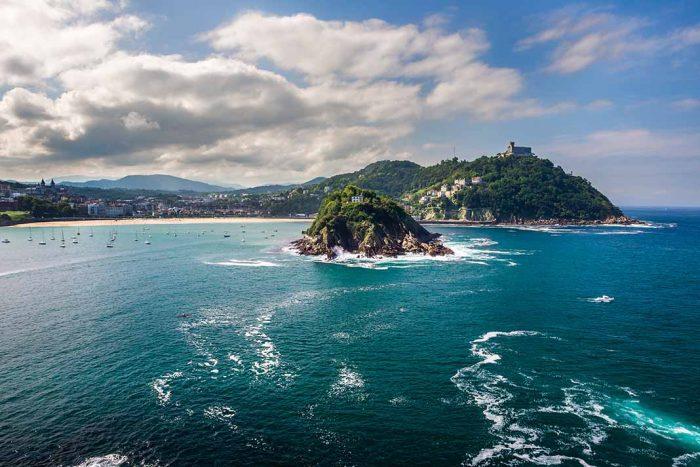 Navegar en San Sebastián hasta la Isla Santa Clara
