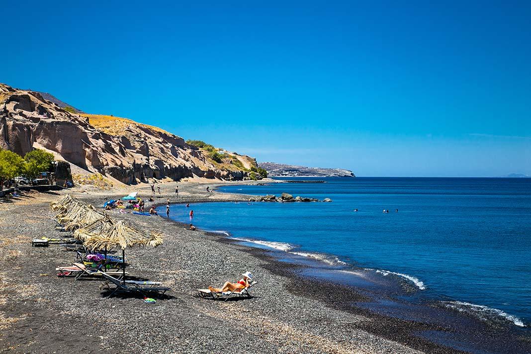 Hospedarse en Santorini, Katerados