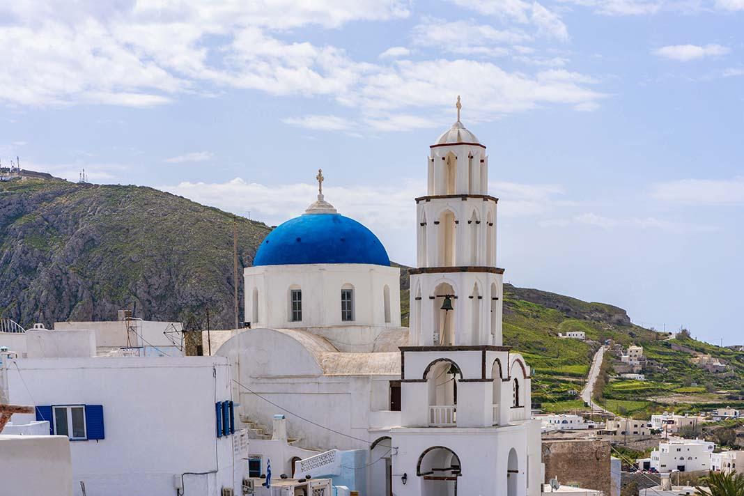 Haz la ruta de los castillos y adéntrate en la Santorini antigua