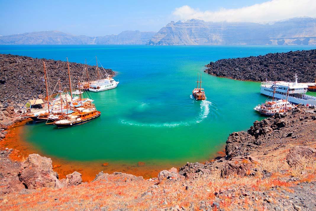 Haz una excursión al volcán de Santorini y las aguas termales