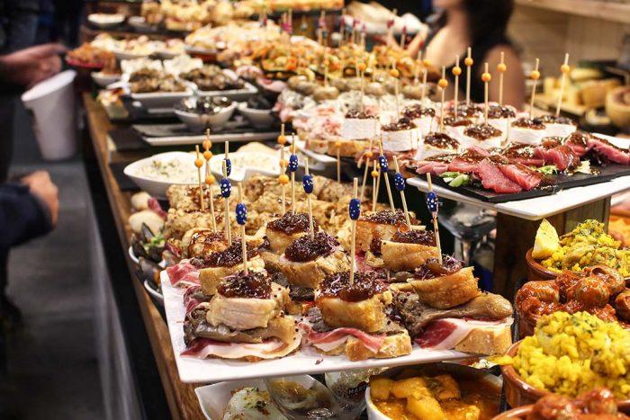 Entre las cosas que hacer en Bilbao: comer pintxos