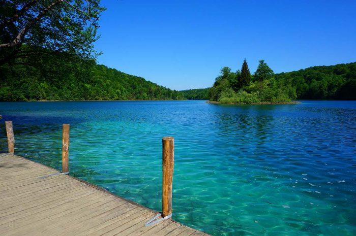 Relajate en el Parque Nacional Plitvice Lakes en Zagreb