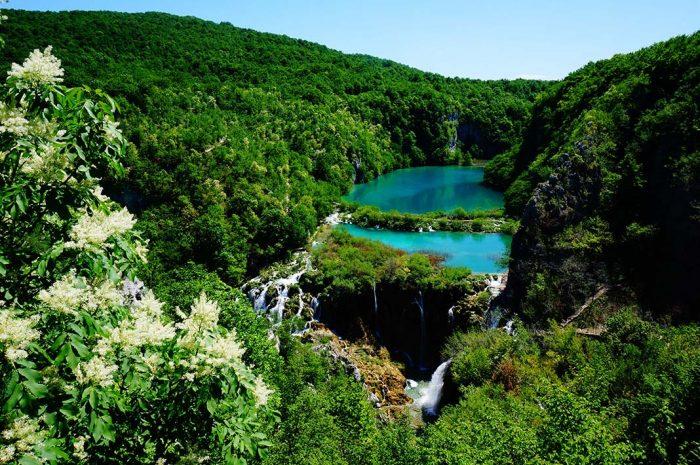 Realizar una excursión al Parque Nacional Plitvice Lakes de Zagreb
