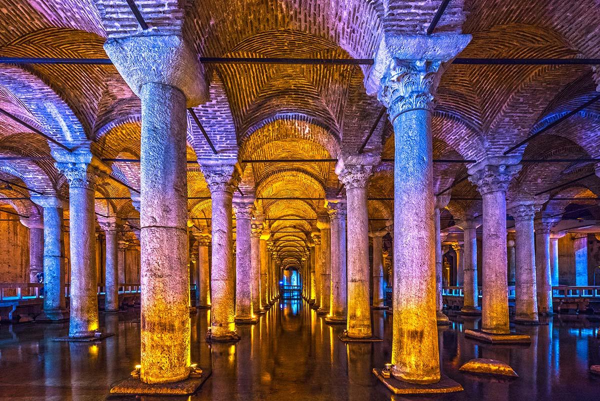 La Cisterna Basílica entre los 15 lugares más interesantes para ver en Estambul