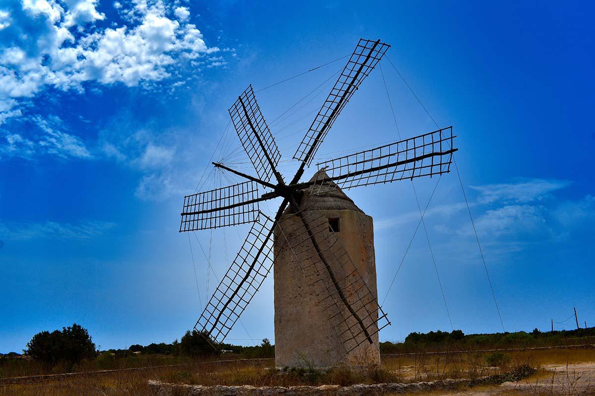 Visita el Molino Viejo de la Mola en Formentera