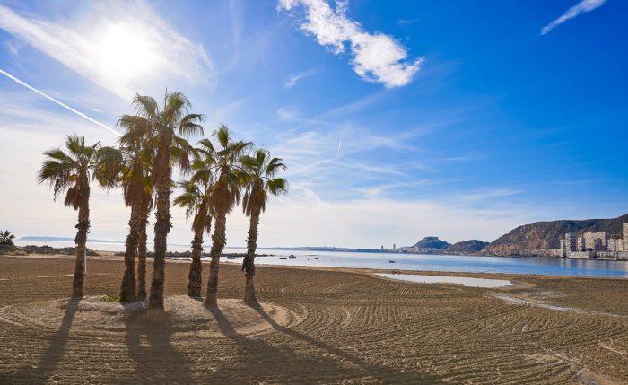 La playa de la Almadraba