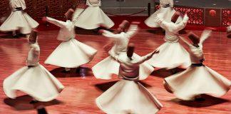 Cosas interesantes para ver en Estambul: las danzas rituales de los derviches danzantes