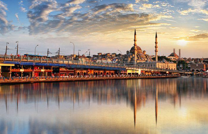 Ver la puesta de sol del Puente Galata en Estambul