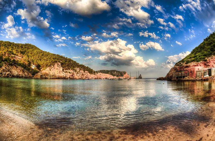 Ibiza Playas: La Playa de Benirràs
