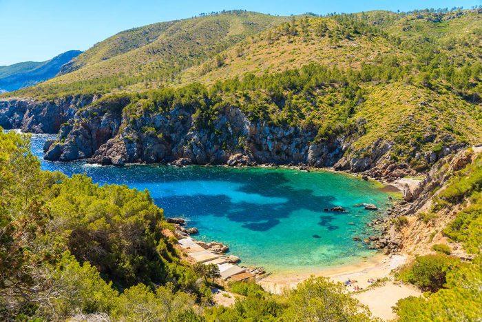Visita las Mejores Playas de Ibiza: Cala d'en Serra
