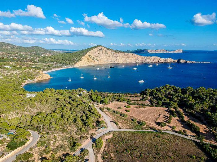 Conoce la Playa Es Jondal de Ibiza
