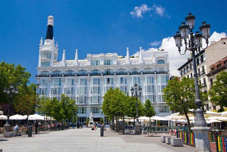 Hospedarse en Madrid:  Huertas, vida nocturna en pleno centro