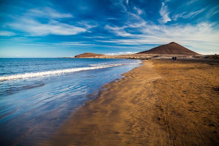 Tenerife para disfrutar de una estancia tranquila con el mar y la playa.