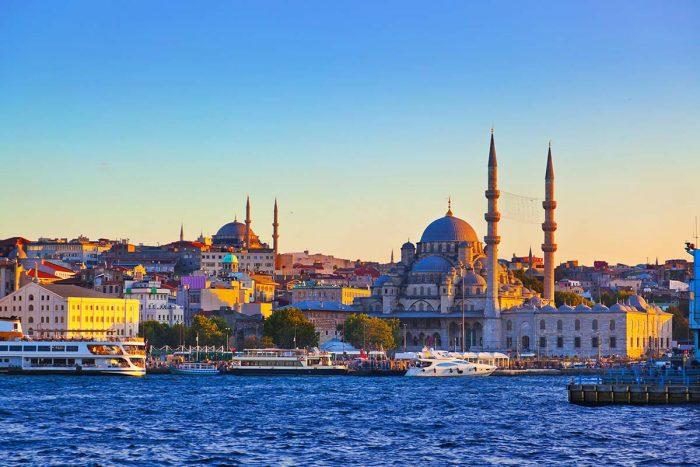 Cómo llegar y dónde dormir en Estambul