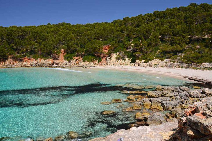 Cala Escorxada, un pequeño paraíso de arenas blancas