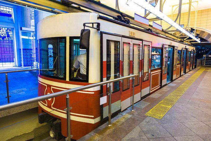 Funicular, transporte público para moverse en Estambul